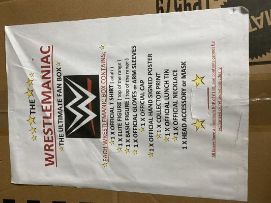 WWE wrestlemaniac  - ultimate fan mystery box